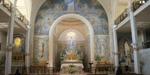 altar-da-capela-da-medalha-milagrosa
